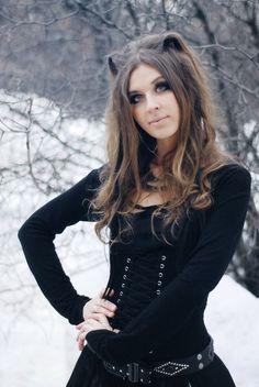 Ekaterina Alexandrova  Violinista - Corista  Banda: Witchcraft