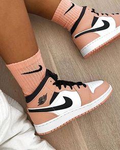 Jordan Shoes Girls, Girls Shoes, Jordan 11 Outfit, Shoes Women, Retro Jordan Shoes, Air Jordan Retro, Jordan Outfits, Retro Shoes, Trendy Shoes