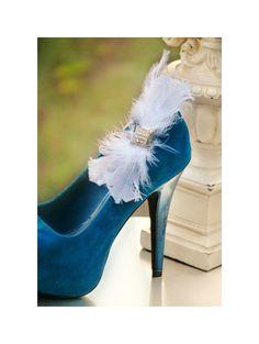 Shoe Clips White / Ivory Bow. Holidays Wedding by sofisticata, Custom made colors. http://sofisticata.etsy.com