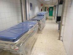 El Hospital La Paz presenta una denuncia por el anuncio en Wallapop que pone en venta un juego de camillas a un euro