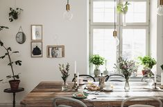 Kitchen in the home of blogger What decorates my day via Volang