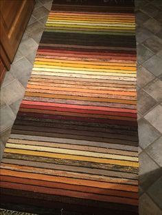 Carpet Stair Runners For Sale Wall Carpet, Diy Carpet, Bedroom Carpet, Carpet Ideas, Hotel Carpet, Beige Carpet, Modern Carpet, Rya Rug, Hallway Carpet Runners