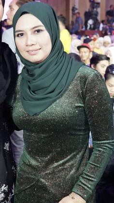 Beautiful Arab Women, Beautiful Hijab, Beautiful Outfits, Arab Girls Hijab, Muslim Girls, Girl Hijab, Belle Nana, Arabian Beauty Women, Iranian Women Fashion