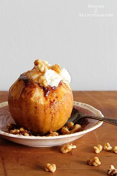 The BEST Baked Apple Recipe! This classic fall dessert is super easy to make in…