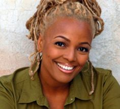 """The name Kim Fields will always be synonymous with Tootie from """"Facts of Life"""" and Regine from """"Living Single"""". However as Christmas approaches, the actress is known for kicking the holiday spirit . Beautiful Smile, Beautiful Black Women, Pretty Black, Black Celebrities, Celebs, Supernatural Hair, Dreads Styles, Bombshell Beauty, Hair Journey"""