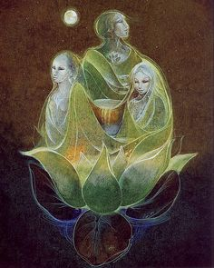 Triple Goddess ~ artist Susan Seddon - There are spirit guides all around you at all times. Call upon them for guidance and support. Art And Illustration, Nassim, Full Moon In Pisces, Maiden Mother Crone, Art Visionnaire, Wicca, Namaste, Sacred Feminine, Divine Feminine