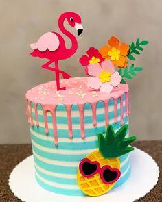 No photo description available. Special Birthday Cakes, Cute Birthday Cakes, 1st Birthday Parties, Birthday Party Decorations, Flamingo Cake, Flamingo Birthday, Flamingo Party, Pool Party Kids, Beach Party