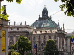 Um die komplette Altstadt mit all ihren Sehenswürdigkeiten besuchen zu können sollte man mehr als einen Tag einplanen, weil es hier viel zu entdecken gibt.