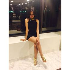 Why you think this dress so tight that I can barely move?-Camila