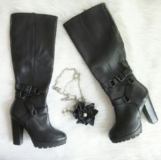 """Steve Madden """"Kraaze"""" Boot NWOT New without tags! One small dent can be seen in first photo. Otherwise new condition! Never worn! 4.5 inch heel. 31.5 inches from bottom of heel to top of boot. Leather upper.   Bundle for best deals! Hundreds of items available for discounted bundles! You can get lots of items for a low price and one shipping fee!  Follow on IG: @the.junk.drawer Steve Madden Shoes Heeled Boots"""