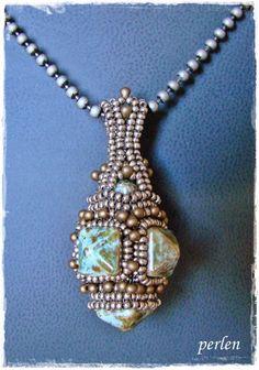 v-perlen: Amphora Necklace