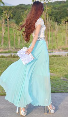 Women's Fan-shaped Maxi Skirt Summer Chiffon Long Skirt Pleated Skirt In Mint Green (Maybe not the shoes though!)