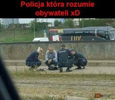 Latvian policeman in his natural habitat Very Funny Memes, Great Memes, Wtf Funny, Hilarious, Polish Memes, Fleas, I Cant Even, Dankest Memes, Haha