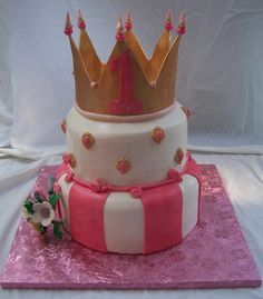 love this cake for a little princess!