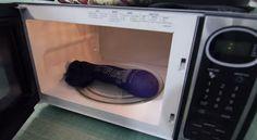 Le four micro-ondes est mal vu pour certainspour les ondes qu'il dégage. Pourtant, on en a tous à peu près un à la maison. On l'utilise surtout pour réchauffer les plats plutôt que de se servir de la cuisinière qui consomme énormément d'énergie. Quo