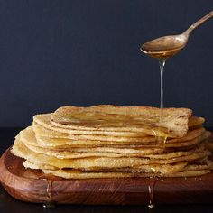 7 types of pancakes Types Of Pancakes, Moroccan Bread, Vegan Treats, Afternoon Snacks, Sweet Cakes, Wine Recipes, Bread Recipes, Food 52, International Recipes