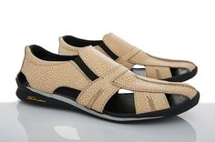 Leather Sandals, Shoes Sandals, Beautiful Muslim Women, Abaya Pattern, Slippers, Footwear, Adidas, Mens Fashion, Sneakers