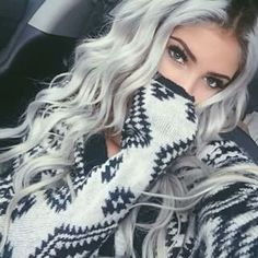 10 Breathtaking Silver Hair Colors For Stylish Women Who Are Also Funky - DIY Hairstyles For Curly Hair - Hair Designs Pelo Color Plata, New Hair, Your Hair, Hair Colorful, Lange Blonde, Gorgeous Hair, Beautiful, Pretty Hairstyles, Gray Hairstyles