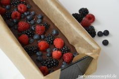 ♥ Zuckersüße Äpfel ♥: Kalter Hund mit frischen Beeren, ein unglaublich leckeres Rezept