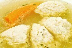 Daragaluska (grízgaluska) Recept képpel - Mindmegette.hu - Receptek Crockpot Dumplings, Dumplings For Soup, Crockpot Dishes, Slow Cooker Soup, Slow Cooker Recipes, Crockpot Recipes, Cooking Recipes, Serbian Recipes, Hungarian Recipes