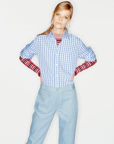 August 1 Blue gingham over red stripes transforms an office Friday from casual to canny. Lexi Boling in a Thakoon Addition sweater, J. Slow Fashion, Autumn Fashion, Fall Shirts, Blue Gingham, Red Stripes, Fashion Pictures, Get Dressed, Button Up, Vogue