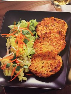 by steve bosch Tandoori Chicken, Salmon Burgers, Healthy Tips, Quinoa, Carne, Cooking Tips, Make It Simple, Gluten Free, Ethnic Recipes