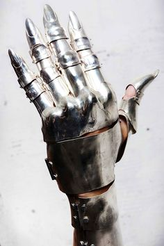 Full metal glove by 'Fangophilia'.