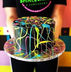 9 Spectacular Cake Art Trends to Try for Your Wedding or Birthday! From magical galaxy cakes to elegant rose swirl ones, discover the best cake art trends in wedding and birthday cake des. Neon Birthday Cakes, Birthday Cake Girls, Dance Party Birthday, Teen Birthday, Birthday Parties, Glow Cake, Bolo Neon, Neon Cakes, Party Deco