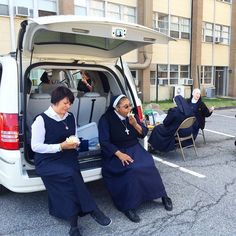 Tailgating, nun style! #popeindc