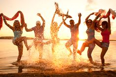 Summers are always welcomed by beach parties. This is the best way to get relieved from hot scorching heat. A well-organised beach party can really help get a lot of applause from your guest. A beach party can be transformed in to anyway, it can be a pool party for