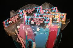 MY EDIT: monster high spa party ideas with swag bag ideas Spa Birthday Parties, Spa Party, 8th Birthday, Birthday Ideas, Monster High Birthday, Monster High Party, Party Bags, Party Time, Halloween Party