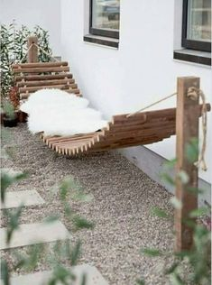 Raised terrace from Bangkirai with wooden staircase and external staircase - Diy Garden Decor İdeas External Staircase, Backyard Hammock, Hammock Ideas, Outdoor Hammock, Diy Hammock, Hammock Posts, Outdoor Hanging Bed, Wooden Hammock, Backyard Picnic