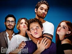 Tyler Hoechlin, Shelley Hennig, Tyler Posey, Dylan Sprayberry, + Holland Roden