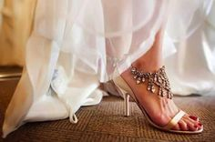 Wedding shoes so beautiful, its like jewelry for your feet.