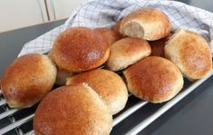 Bread Bun, Hamburger, Baking, Urban, Desserts, Buns, Food, Tailgate Desserts, Patisserie