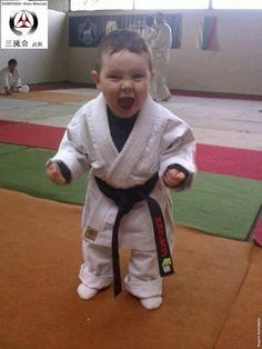 03630db27 Cara de Guerra - Arte Marcial Qigong, Taekwondo, Judo, Tai Chi, Karate