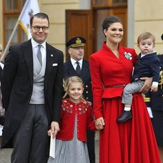 #NEW (December 1st 2017) ♡||Beautiful Crown Princess Family of Sweden today at Prince Gabriel's christening!||