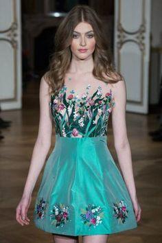 Yanina-Couture-Spring_Summer-2015-002.jpg (390×585)