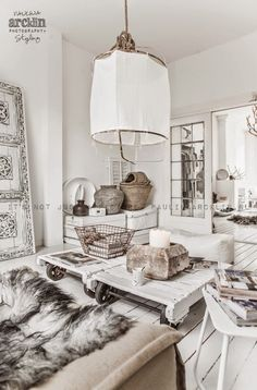 Rustic, urban Scandinavian home decor. Are you looking to buy or sell a home in the beautiful Okanagan Valley … Interior Bohemio, Living Room Designs, Living Spaces, Living Rooms, Deco Boheme, Scandinavian Home, Home And Deco, White Houses, Home And Living