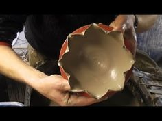 ▶ Throwing / Making some Flower shaped altered pottery bowls on the wheel - YouTube Youdanxxx