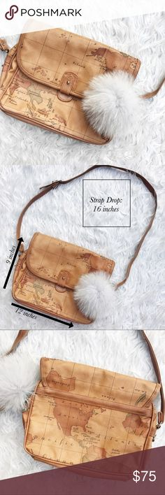• Vintage Gitano • World Map Crossbody Bag Fur accessory not included❗️Stunning World Map bag Vintage Bags Crossbody Bags