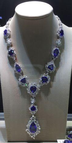 Blue sapphire and diamond luxury nexklace Don't be blue, wear beauty bling jewelry fashion
