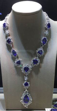 Blue sapphire and diamond luxury nexklace Don't be blue, wear beauty bling jewelry fashion