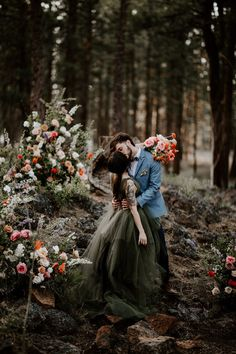 This gorgeous wedding in Central Oregon by CASI YOST PHOTOGRAPHY showcases such unique and inspiring details for any couple looking to make a classy and memorable day. Forest Wedding, Woodland Wedding, Dream Wedding, Punk Rock Wedding, Forest Engagement Photos, Amazing Weddings, Wedding Vendors, Wedding Programs, Wedding Reception