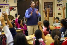 World-famous teacher files $1 billion lawsuit against Los Angeles schools to end 'teacher jail' - The Washington Post