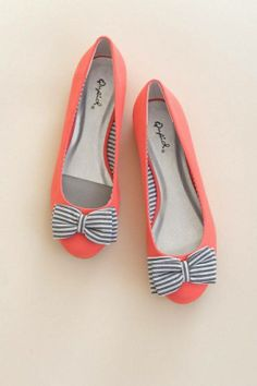 #adorable bow flats.