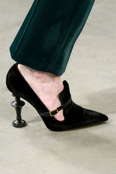 12 shoe trends to take away from the Fall 2017 runways: The Art of the Heel