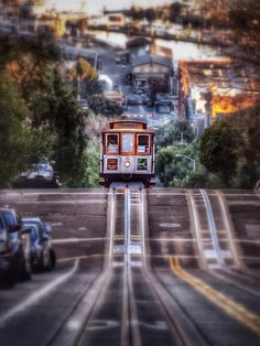 Hyde St. Cable Car - San Francisco