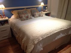 Pie de cama tejido, $1232 en https://ofeliafeliz.com.ar