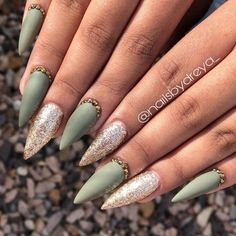 Best Nail Trends for Cute Fall Manicure Gorgeous Light Matte Olive Green Stiletto Fall Nails Design with Diamonds & Gold Glitter NailsGorgeous Light Matte Olive Green Stiletto Fall Nails Design with Diamonds & Gold Glitter Nails Diamond Nail Designs, Diamond Nails, Fall Manicure, Pink Manicure, Gold Glitter Nails, Gradient Nails, Holographic Nails, Gold Stiletto Nails, Green Glitter